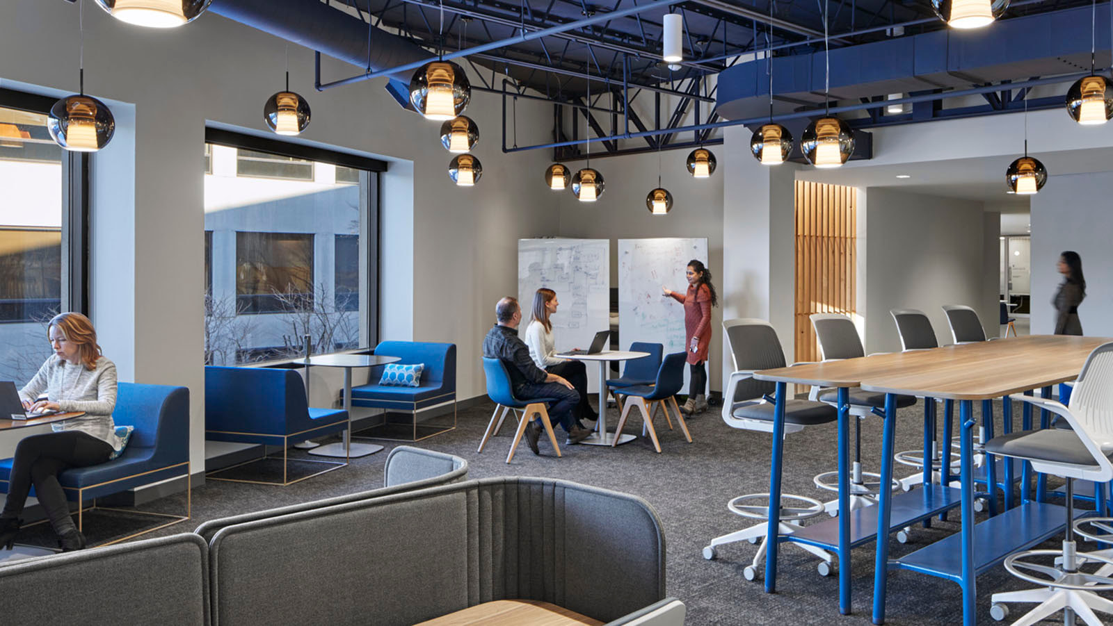 Huddle areas at Sun Life Financial in Masschusetts
