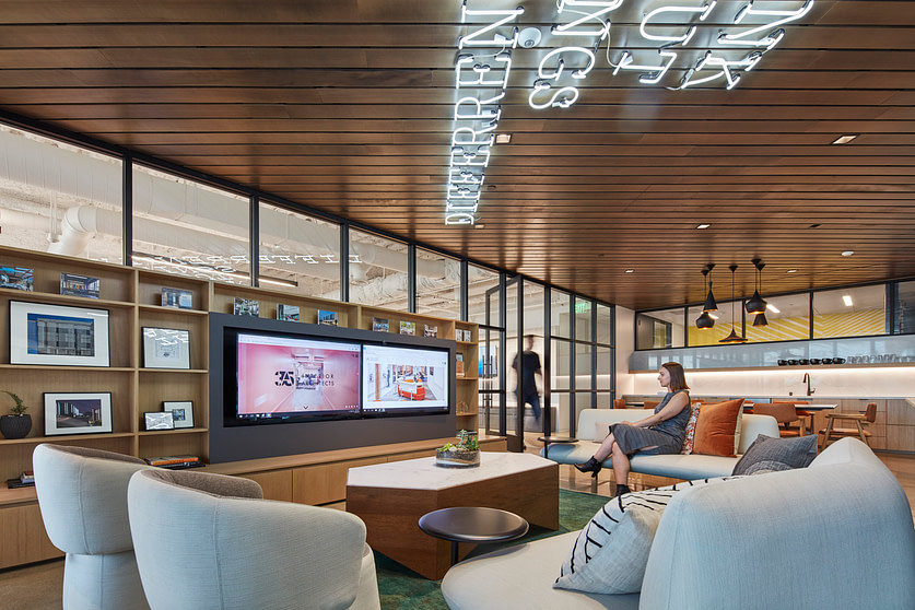 IA's Irvine CA office space at Intersect