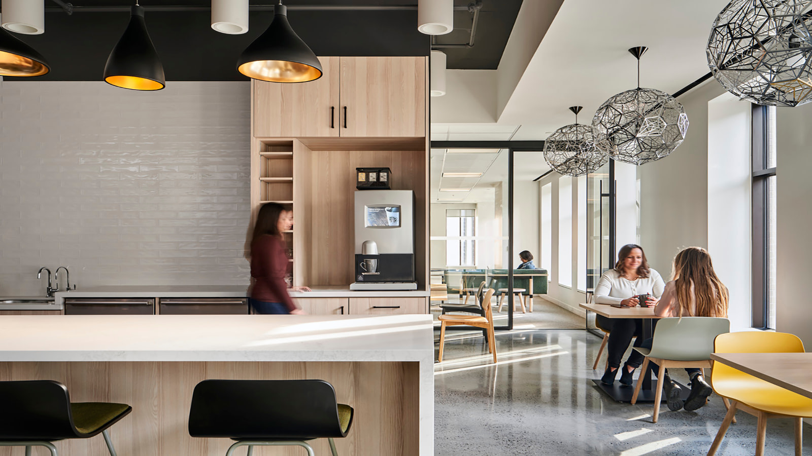 A break and cafe area at OMERS' Toronto location.