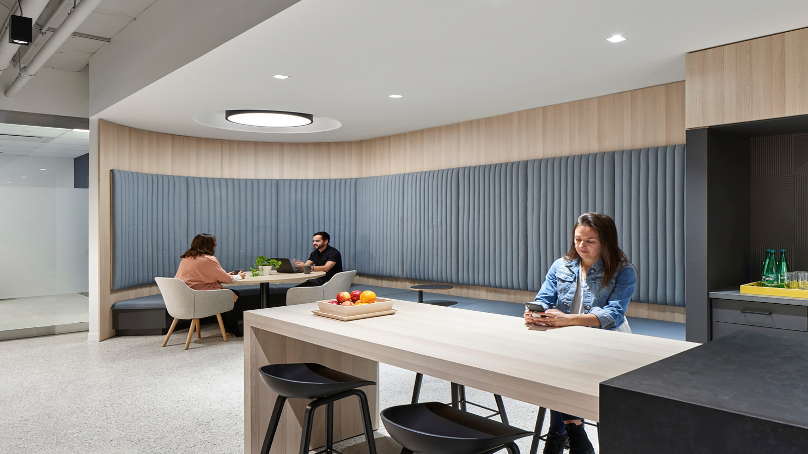 A seated casual meeting and food space in OMERS.
